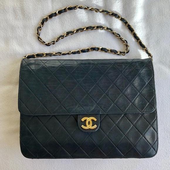 CHANEL Handbags - Authentic CHANEL Classic Vintage Single Flap Bag 6d5ca6724119